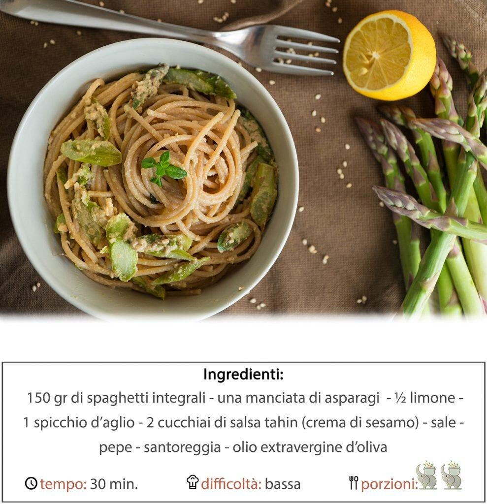 Spaghetti integrali cremosi con asparagi e tahin